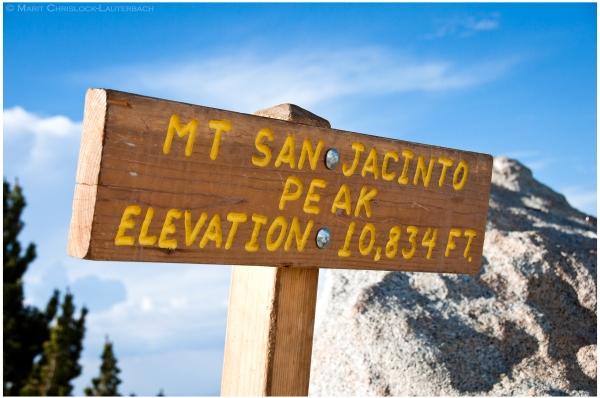 Jacinto_summit_sign